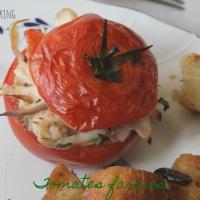 Tomates farcies à l'aile de raie sauce aux câpres